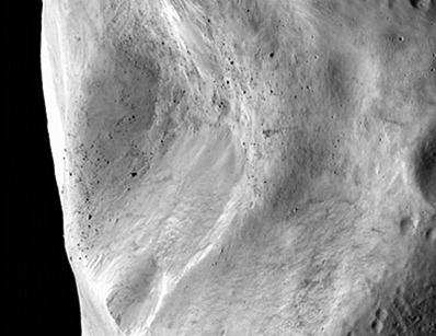crateras e deslizamentos no asteroide Lutetia