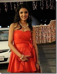 Vaanam-Actress-Jasmine-pic