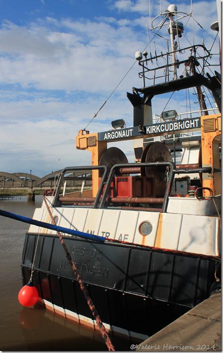 25-fishing-boat
