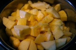 Apples, Lemon zest, sugar, brandy
