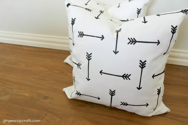 how to stencil pillows