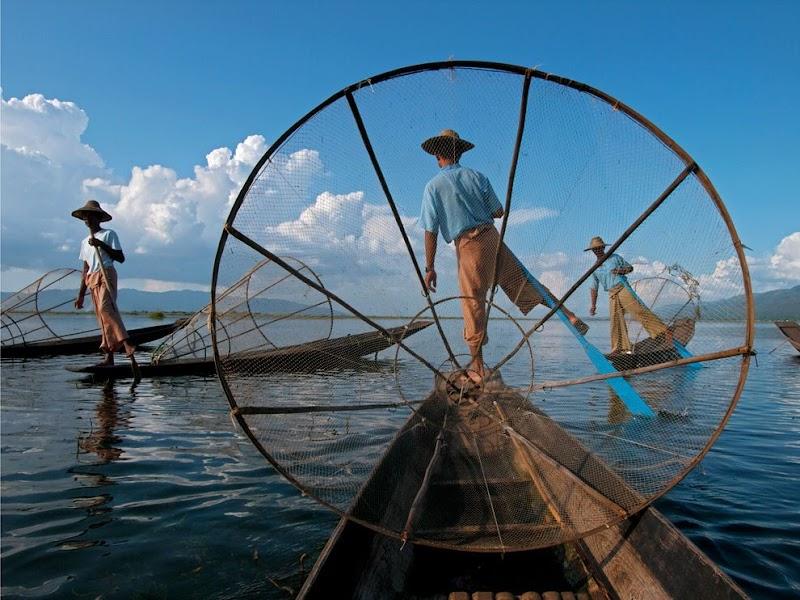 fishermen-myanmar_37818_990x742.jpg