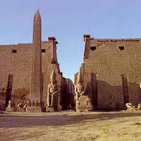 29.- Pilonos del templo de Amón (Luxor)