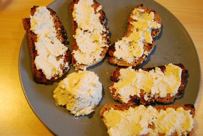 DSC_2966 formaggino di anacardi