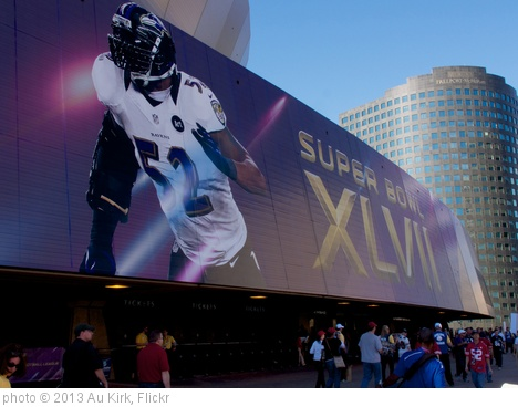'Ray Lewis on the Superdome at Superbowl XLVII' photo (c) 2013, Au Kirk - license: http://creativecommons.org/licenses/by/2.0/