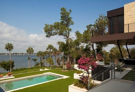 casa-de-diseño-con-piscina