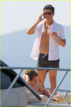 neil-patrick-harris-david-burtka-vacationing-in-st-tropez-04