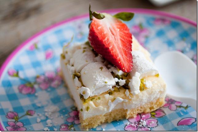 Lemon Curd cake with Buttermilk Panna cotta (11 von 27)