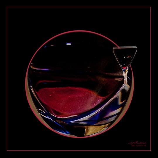 pm_20110810_wineglass