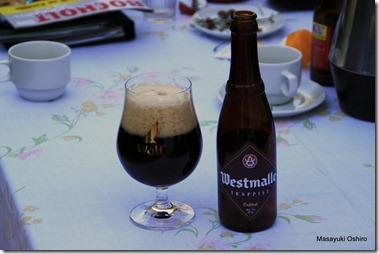 無事、家にたどり着きトラピストビールの Westmalle を飲む。