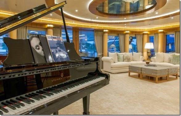 yacht-rental-rich-005