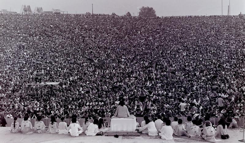 Woodstock - Guru Swami Satchidananda.jpg