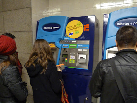 3. automat bilete metro Lisabona.JPG