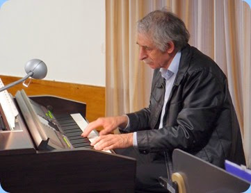 Claude Moffat playing the Clavinova on his Club debut! Great music, well done Claude! Photo courtesy of Dennis Lyons.