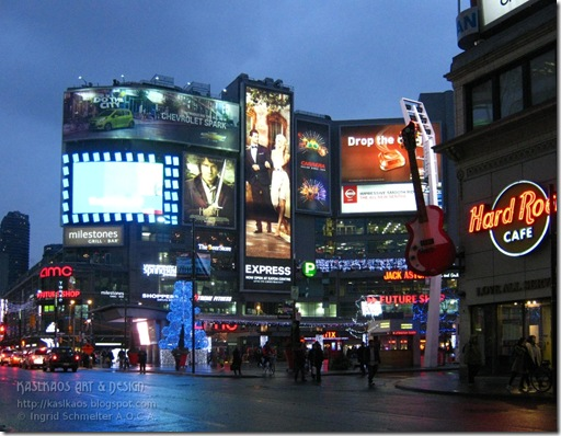 12121101dundas-square-hard-rock-cafe72