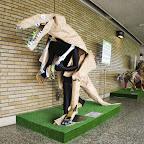 恐竜。この中の自在マネキンが面白い。