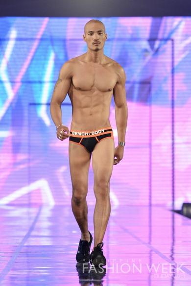Bench Body (41) Paolo Roldan