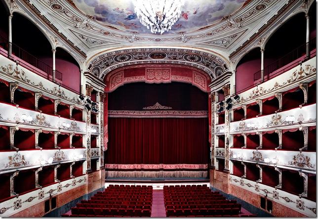 Candida Höfer_Teatro_della_Pergola_Firenze_I_