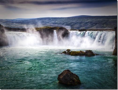 GODAFOSS WATERFALLS ICELAND by SUE CHAPMAN P2