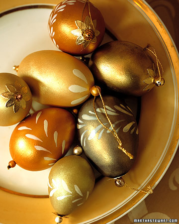 Transform quail and chicken eggs into shimmering ornaments that look as beautiful displayed in a pretty bowl as they do hanging from the tree.