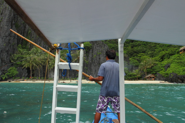 El Nido Banka Oarman at work