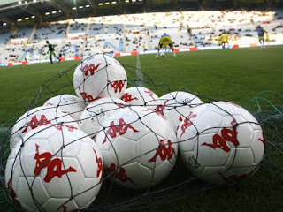 Ballons de football.
