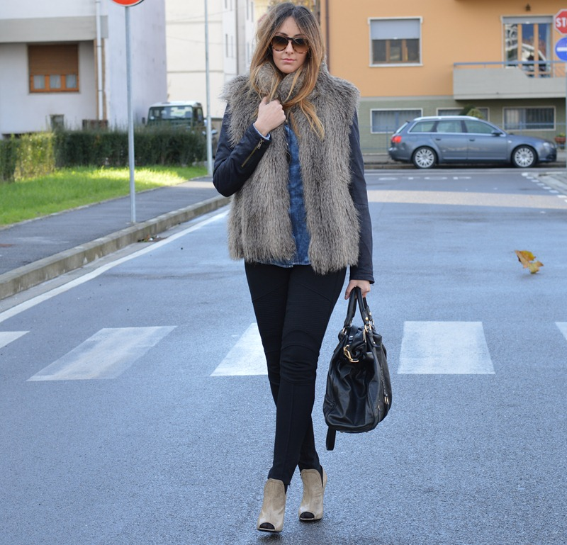 Sisley, True Religion, Jeans, Jeans shirt, Miu Miu bag, Vintage, Prada, Prada shoes, Miu Miu, fashion blogger, italian fashion bloggers, fashion blogger italiane, fashion blogger firenze
