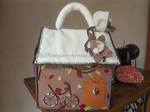 borsa casetta autunno