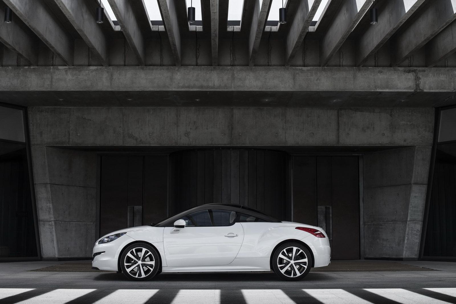 2013-Peugeot-RCZ-2[2].jpg