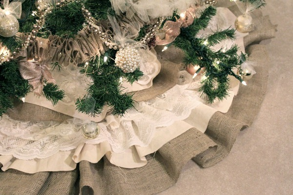 burlap lace tree skirt tutorial