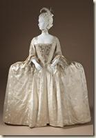 Robe à la française, Angleterre, vers 1765 Satin et façonné de soie