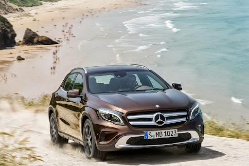 Mercedes-Benz-GLA-24.jpg