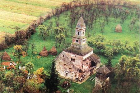 Obiective turistice Romania: Biserica Densus