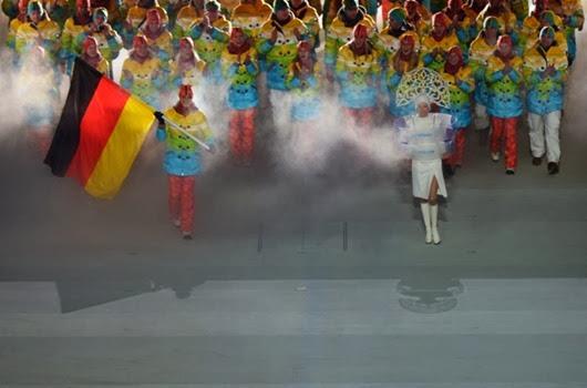 Знаменосец-сборной-Германии-Мария-Хефль-Риш1