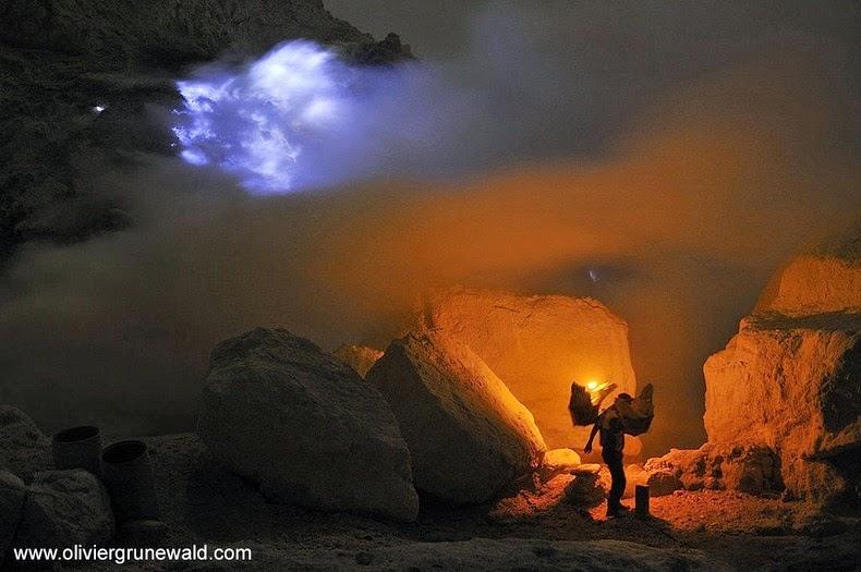 «كواه Kawah بركان لهباً kawah-ijen-8%25255B8