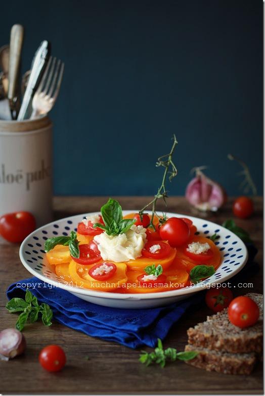 pomidory z czosnkiem