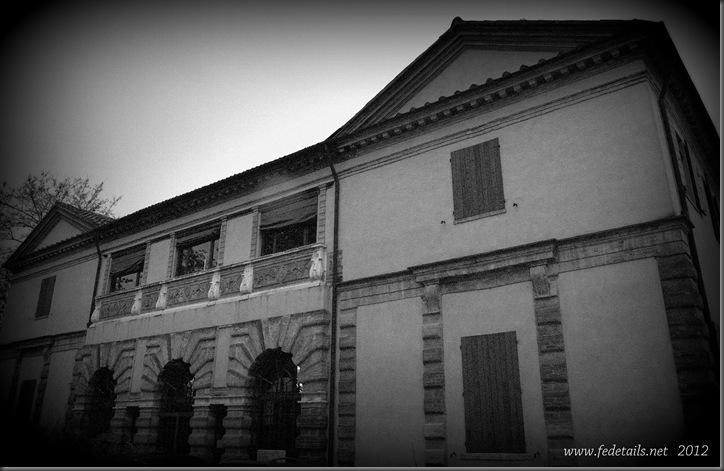 Palazzina dei Bagni Ducali ( fronte 3 ), Ferrara, Emilia Romagna, Italia - Building of the Baths Ducali ( front 3 ), Ferrara, Emilia Romagna, Italy - Property and Copyrights of www.fedetails.net