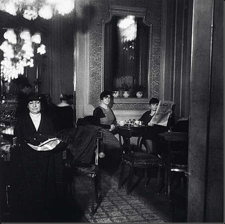 11 Cafe Interior, Vienna 1932