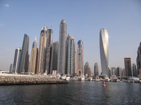 Blocul rasucit din Dubai Marina