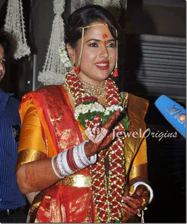 Sameera_Reddy_Wedding_Jewellery