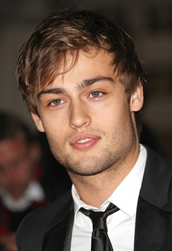 douglas-booth-gq-men-of-the-year-awards-2011-01