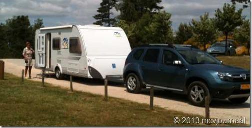 Dacia Duster met caravan John