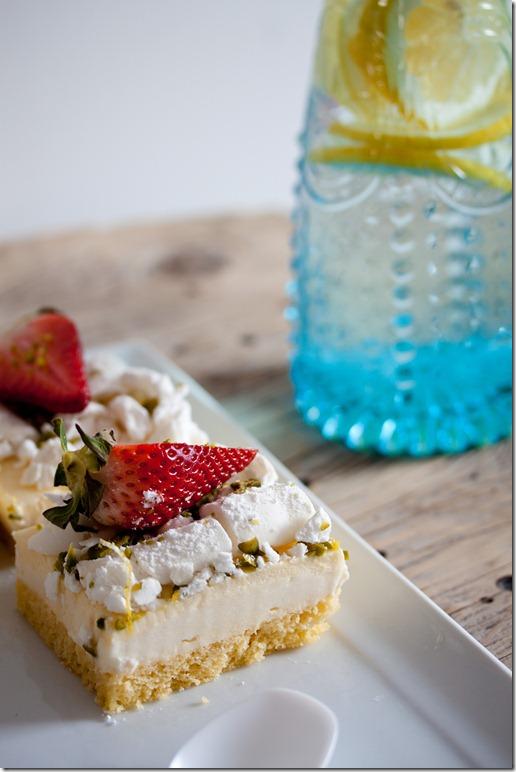 Lemon Curd cake with Buttermilk Panna cotta (19 von 27)