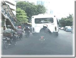 pencemaran udara oleh asap kendaraan bermotor