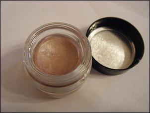Benefit R.S.V.P. Creaseless Cream Shadow