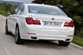 2013-BMW-7-Series-155
