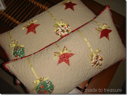 quilted christmas pillow