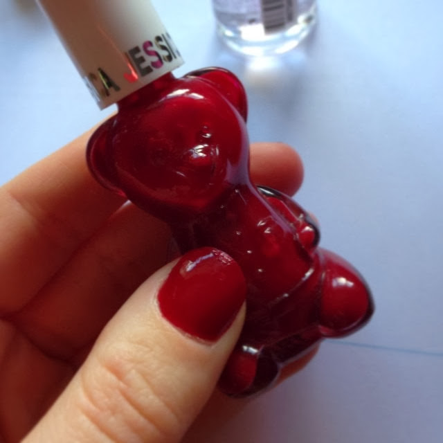 jessica-nails-bear-in-mind-nail-polish