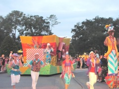 Disney trip Movers Shakers parade incredibles float