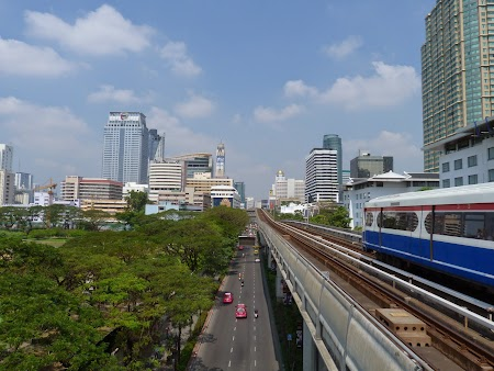 10. Sky Train - Bangkok.JPG